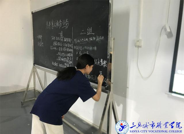 新能源汽车技术专业学生课堂活动IMG_8511.JPG